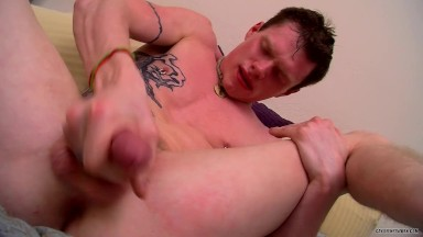 Masturbating and cums in his own mouth
