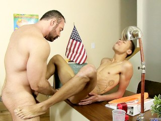 Brad kalvo makes interracial love with young robbie...
