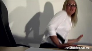 The delivery for special boss milf secretary lingerie