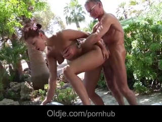 Busty young girlfriend big old cock ass fuck outdoor doggy style