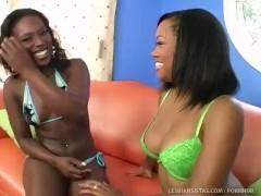 2 Hot Black Girls Pleasure Each Other!