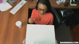 Wie du deine Sekretärin richtig sexuell belästigst