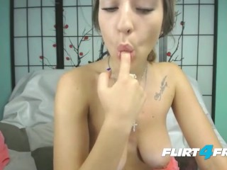 Stunning Petite Beauty Jasmine Life Spreads Her Wet Pussy for Webcam