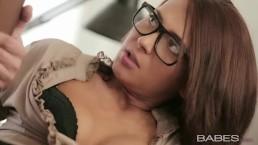 Babes - Alexis Brill - IRRESISTIBLE