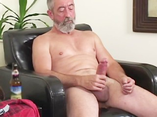 Hung daddy magnum...