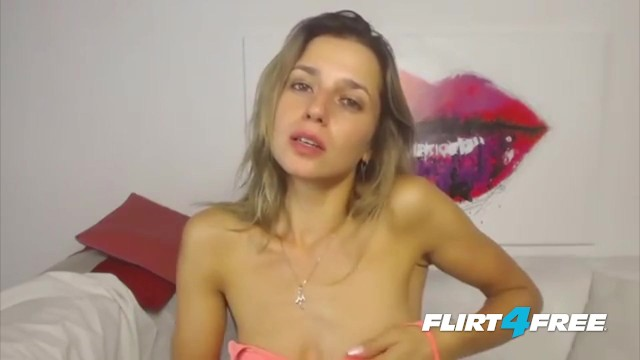 Breathtaking Blonde Mila Pippin Gets Creative With Her Webcam 2