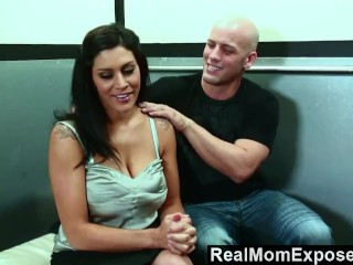 RealMomExposed – Fun times in a broken elevator