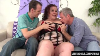 Mature BBW Lady Lynn takes two dicks