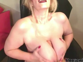 American mature woman chadford with large tits cunt...