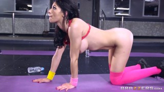 Sophia Laure gets fucked at yoga - Brazzers Big sissy