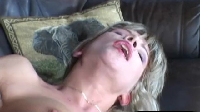 Download Gratis Video Nikita Long legged chick Tiffany Russo assfucked hard