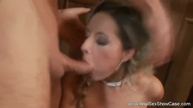 Download Gratis Video Nikita Mirzani Classy Mom Does Anal With Son