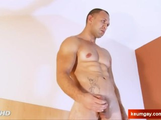 A innocent neighbour serviced his big cock by a guy!