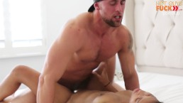 Hot Girl With Daddy Issues Fucks College Football Player
