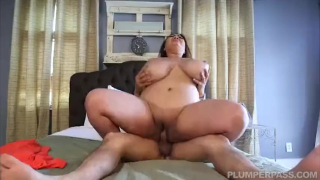 Busty Fat Asian Model Gets Massage From Latino Stud -4240
