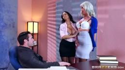 Vidéo en audiodescription - Plan à trois sexy au bureau
