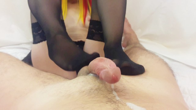 Streaming Gratis Video  Sexy wife gives nylon stockings footjob