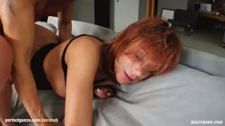 La bella MILF Nina S in una scena hardcore