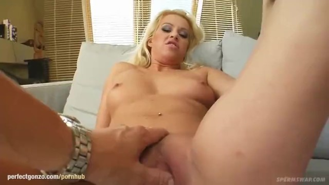 Streaming Gratis Video  Jane and Christin La Rouge milking a guy in hardcore threesome scene for me