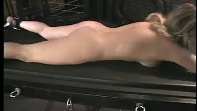 Spanking for erotic pleasure Luscious blonde tart likes having her pussy pleasured in the dungeon