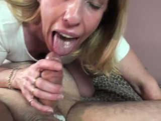 Housewife gives a blowjob