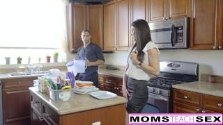 MomsTeachSex - Hot Step-Mom And Teen Get Messy Facial