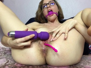 The Webcam Experience Presents Mary Moody in Mary Uses a Ball Gag and Squirts like a Geyser