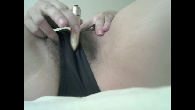 Making Hairy Pussy Wet With Vibrator Through Panties -8672