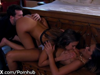 EroticaX - Sensuale sesso a tre tra giovani con James Deen