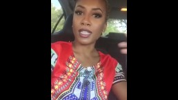 Ebony milf plays with her pussy in car