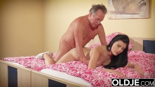 Cute College Babe Fucks Her Sugardaddy