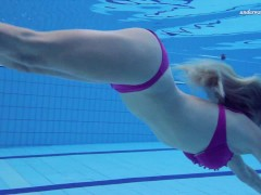 หนังโป๊ฝรั่ง  แก้ผ้าว่ายน้ำ