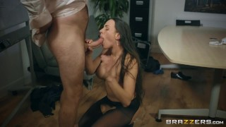 Mea a get melone head gives to brazzers some head czech butt