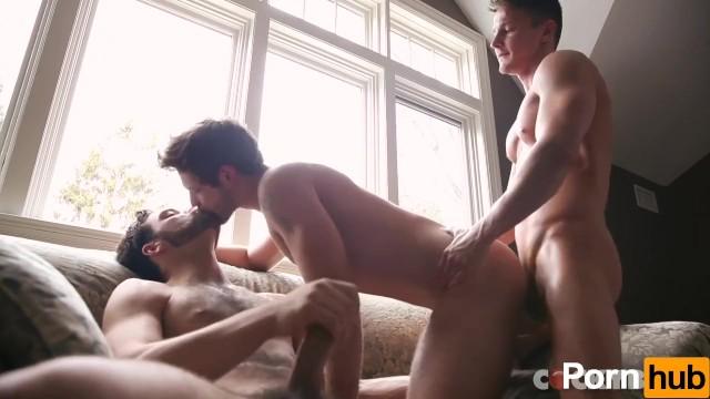 Russian boy look gay boyz - Tommy defendi duncan black and darius ferdynand - scene 1
