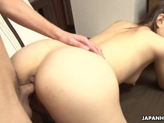 Dudes are getting to fuck a slut in a hot threesome