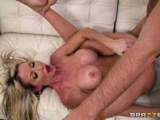 Dirty milf Tylo Durran needs rough sex – Brazzers