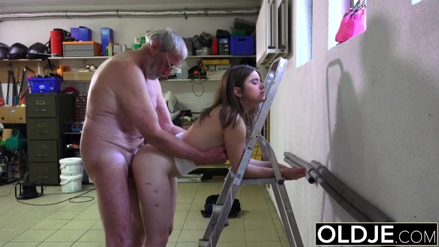 Metacrawler and naked mile Old man fucks girl his small cock fucks her mouth and pussy