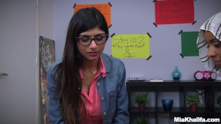 Blowjob Lessons with Mia Khalifa and Her Arab Friend (mk13818) Hot and