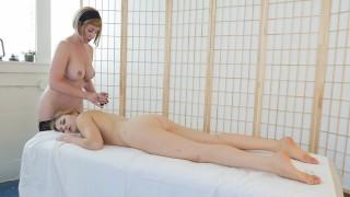 Blondes Trish And Starlette Masturbating