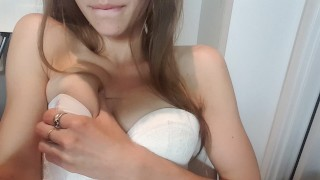Cumming missalice pussy natural