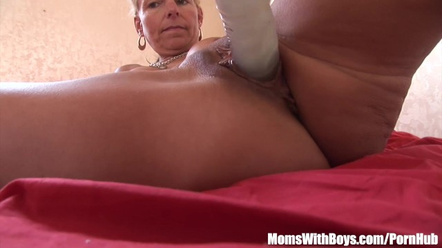 Blonde Cougar Showing Her Pussy Dildo Fucking Skills 2