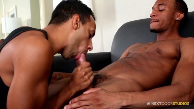 Roomates Gay porno