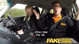 Fake Driving School (Rijschool) Jonge student neemt een creampie voor gratis lessen