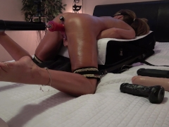 HOT BRUNETTE 2 DILDOS 2 EXTREME ORGASMS - BUTT PLUG & FUCK MACHINE