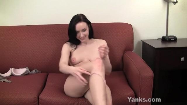 Fit Yanks Babe Ivy London Lynn Masturbating 12