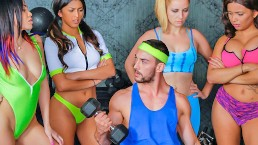 Gym girl gets a full body work out