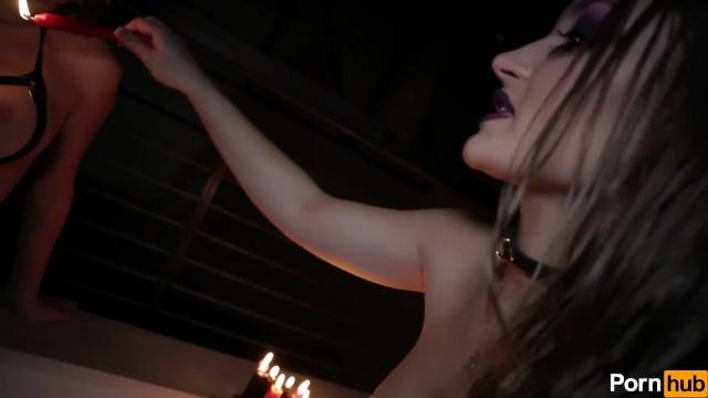 Streaming Gratis Video Nikita Mirzani Dollhouse Hour 17 - Scene 2