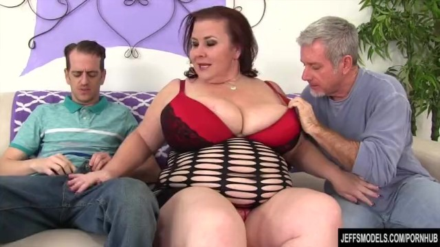 Huge cumshot vaginal mature Huge boobs chunky mom double vaginal