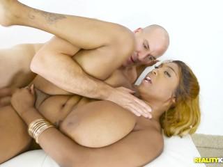 Huge Titty Rachel Raxxx Gets her Big Boobs fucked Hard