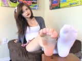 beautiful brunette soles show!!